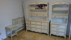 BED ROOM SET (SUPER NICE) for Sale in St. Louis, MO