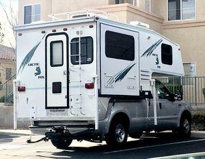 Truck Camper - 2000 Northwood-Arctic FoxC860S for Sale in Las Vegas, NV