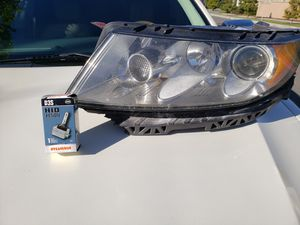 2012 Lincoln Mkz Driver Side Headlight for Sale in Glendora, CA