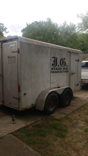 Air brakes height 7x9 12ft long. 7x7 wide with axle dual door and 1 single side door for Sale in Humble, TX