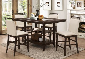 ESPRESSO 5 PIECE COUNTER HEIGHT DINING TABLE SET SMOKED GLASS INSERT CREAM STOOLS / COMEDOR MESA SILLAS for Sale in San Diego,  CA