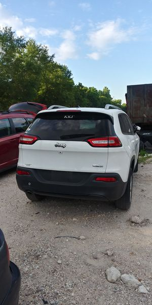 2017 CHEROKEE ONLY PARTS FOR SALE for Sale in Houston, TX
