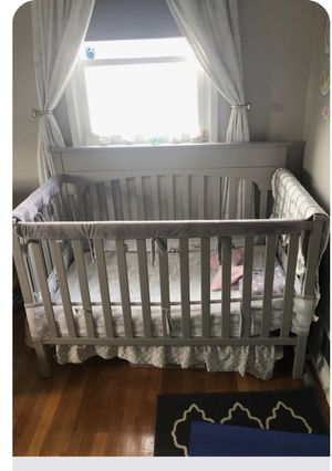 Graco crib with all accessories 3 sets of bed sheets organic cotton Potrero barn and burst bees , mattress cover , mattress everything! for Sale in Rockville, MD