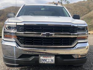 2016 Chevrolet Silverado crew cab for Sale in San Bernardino, CA