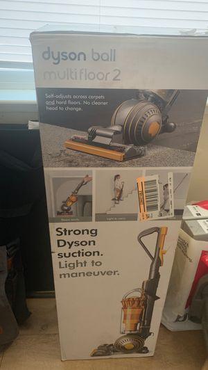 Dyson Ball Multifloor 2 Vaccum for Sale in Fresno, CA