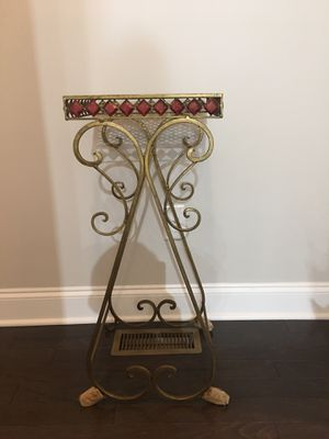 Flower pot pedestal set of 2 for Sale in Norcross, GA