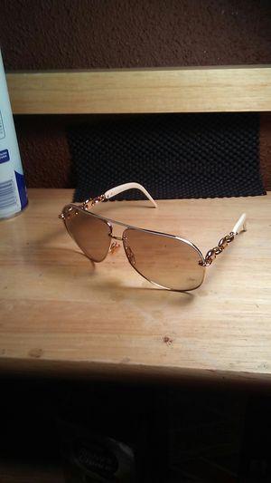Woman's GUCCI sunglasses for Sale in Burbank, CA