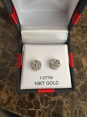 1 Carat diamond blossom Earrings for Sale in St. Peters, MO
