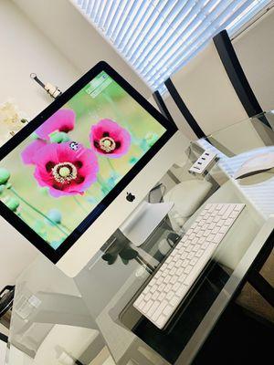 Apple iMac Retina 4K, 21.5-inch 2019 for Sale in Elk Grove, CA