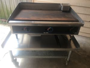 Star Max Grill with stand for Sale in Springdale, AR