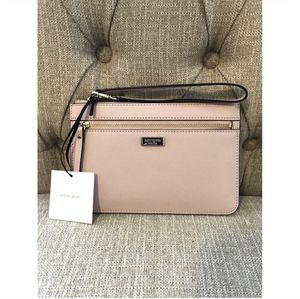 Kate Spade Wristlet for Sale in Fishers, IN