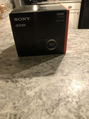 Sony a6500 w/ or w/o Sony 18-105mm lens for Sale in Frisco, TX