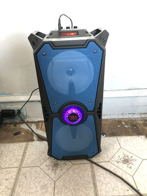 Very loud light up Bluetooth speaker for Sale in Philadelphia, PA