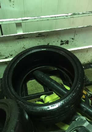Michelin tires set 4 295 30zr 20 265 35zr 20 bought for my rims but did not fit for Sale in Denver, CO