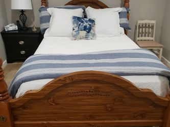 Queen Bed for Sale in Florissant,  MO