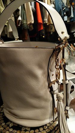 Optic White Michael Kors MD Bucket Messenger Bag for Sale in Wexford,  PA