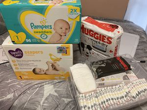 Diapers size 1 for Sale in Miami Gardens, FL