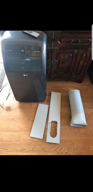 LG Portable AC unit 12000 BTU w remote and dehumidifier feature for Sale in San Diego, CA