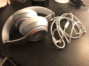 beats solo 2 wireless for Sale in Foster City, CA