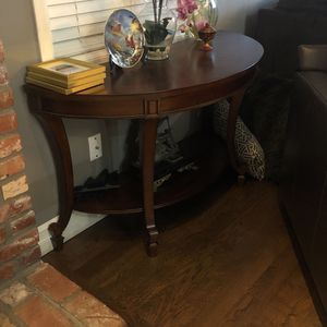 Solid wood Consol table (Excellent condition) for Sale in Issaquah, WA