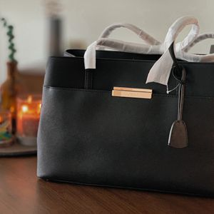Kate Spade Maiden Way Saffiano Clarke Tote Leather bag for Sale in Arlington, VA