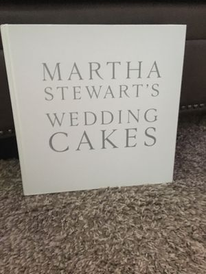 Martha Stuart's Wedding Cakes Book! for Sale in Modesto, CA