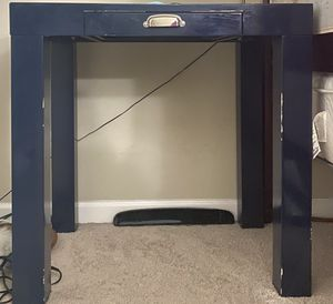 Pottery barn kids desk for Sale in Walnut Creek, CA