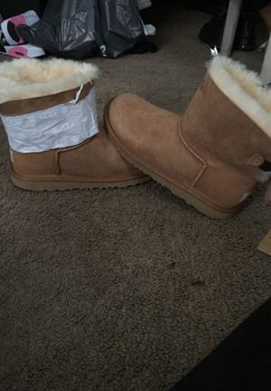Brand new uggs size 5 for Sale in Philadelphia, PA