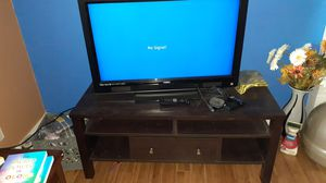 32 inch visio tv roku system , remotes,nd TV stand for Sale in Renton, WA