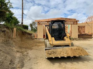 Bobcat and dump truck combinacion for Sale in Ontario, CA