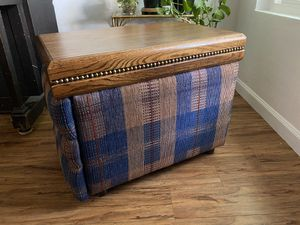 Side table/ ottoman / bench for Sale in Bakersfield, CA