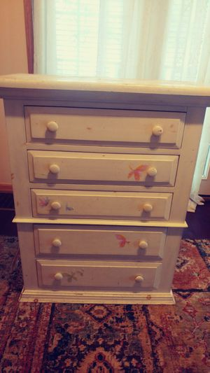 Chest of drawers for Sale in Wichita, KS