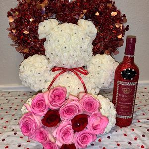 Valentines Teddy Bear for Sale in San Antonio, TX