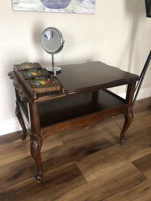 Antique Accent table for Sale in Miami, FL