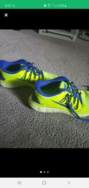 Nike neon shoe for Sale in Trenton, GA