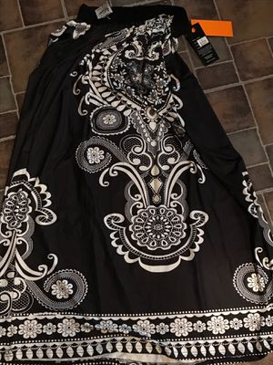 Never worn black and white skirt. for Sale in Columbus, OH