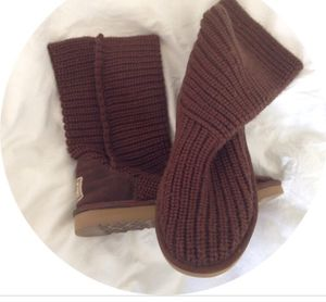 Chocolate knit uggs size 6 for Sale in Sterling, VA