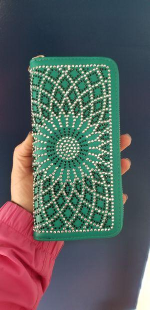 Women's accordion style wallet for Sale in Montesano, WA