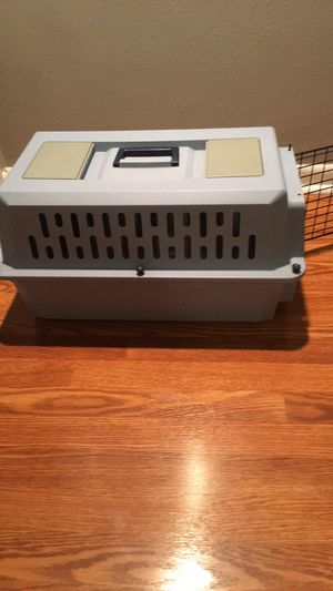 Small or medium pets crate (13x22x14) for Sale in Orlando, FL