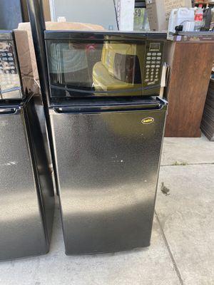 Mini fridge and microwave for Sale in Anaheim, CA