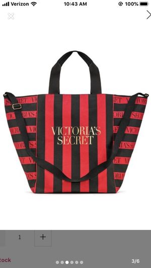 Victoria's Secret Weekender Bag for Sale in Hamilton Township, NJ