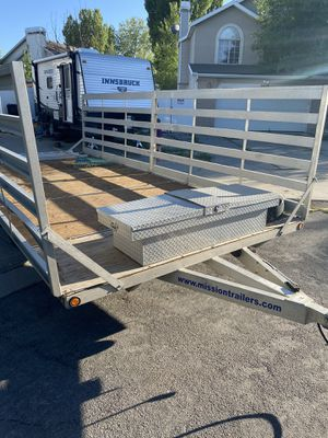 20' aluminum flatbed with drive on sides for Sale in Taylorsville, UT