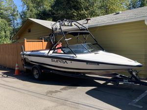 2000 Supra Ski-Wake Boat - 20' / Recently Tuned Up / Ski-Wake Tower w/Speakers & Lights / Super Fun & Ready for the WATER for Sale in Seattle, WA