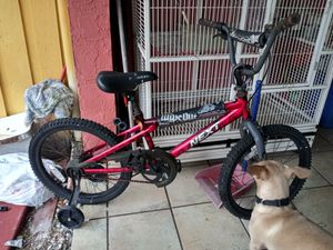 Kids bike used but good just need air maybe tubes selling $15 firm for Sale in Miami, FL