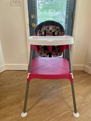 3 in 1 high chair for Sale in Baltimore, MD