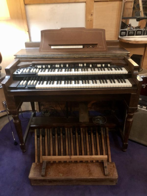 Hammond B3 Tone wheel Organ