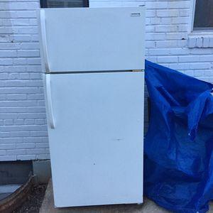Kelvinator Refrigerator for Sale in Falls Church, VA