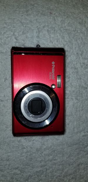 POLAROID IE826-RED 18MP DIGITAL STILL CAMERA with 2.4in Screen RED for Sale in Swansea, IL
