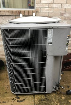 5 tons AC unit (CARRIER) used normal tear and wear for Sale in Arlington, TX