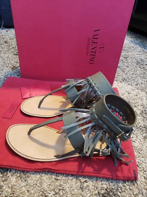 AUTHENTIC Valentino - Fringe Ankle Cuff Sandals for Sale in Honolulu, HI